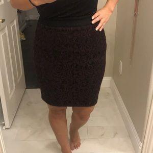 Ann Taylor loft purple lace pencil skirt size 2